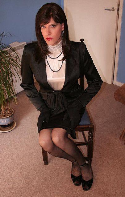 crossoverdress:  Victoria Lenoir
