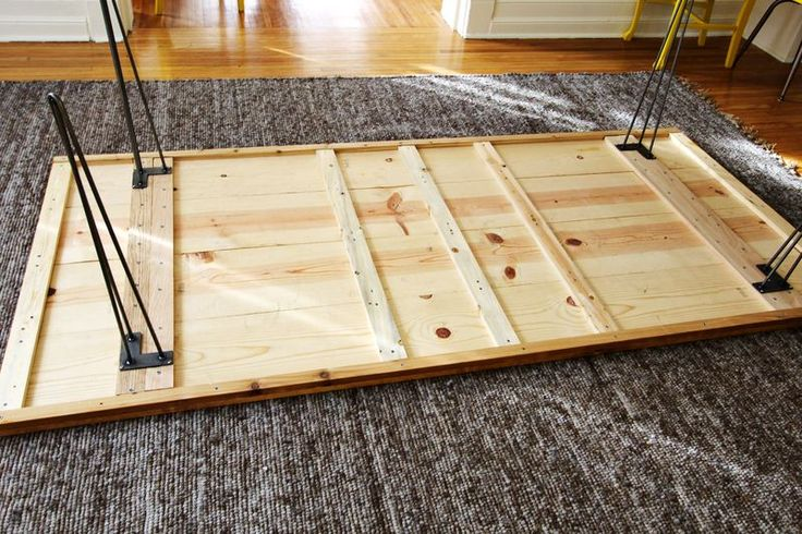 How to assemble a DIY table
