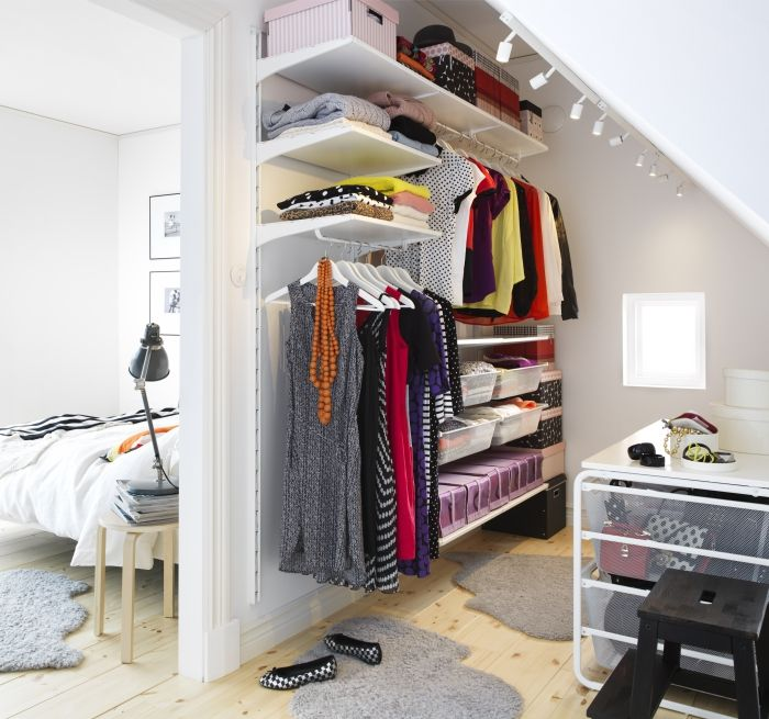 Turn an awkward, unused space into an organized walk-in closet with the ALGOT storage system.