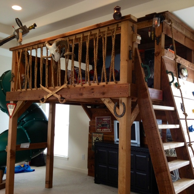 A treehouse bed for our son max mickey mouse for Tree house blueprint maker