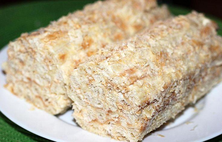 """Быстрый домашний торт """"Полено"""" из слоеного теста со сгущенкой, простой рецепт на скорую руку"""