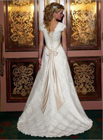 Irish wedding dress. What makes a wedding dress Irish?