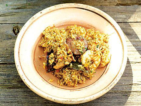 Kyckling-, korv- och räkjambalaya | Recept.nu