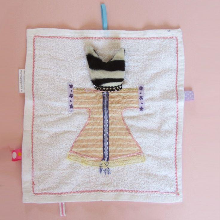 Witte doek met oudroze jurkpoes | Cadeau-ideetjes voor Sint of Kerst | Mevrouw Splinter