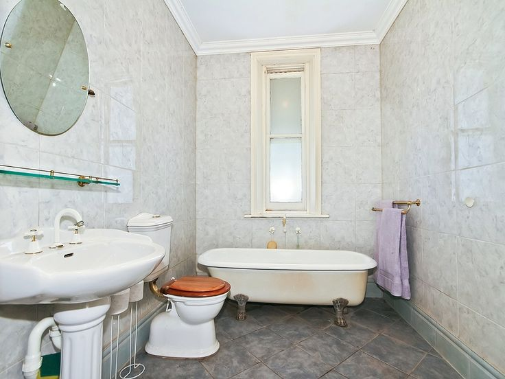 House in Aldinga Beach. Call Professionals Christies Beach, real estate agency - 08 8382 3773. #Realestate #RealEstateSouthAustralia #Bathroom #Heritage