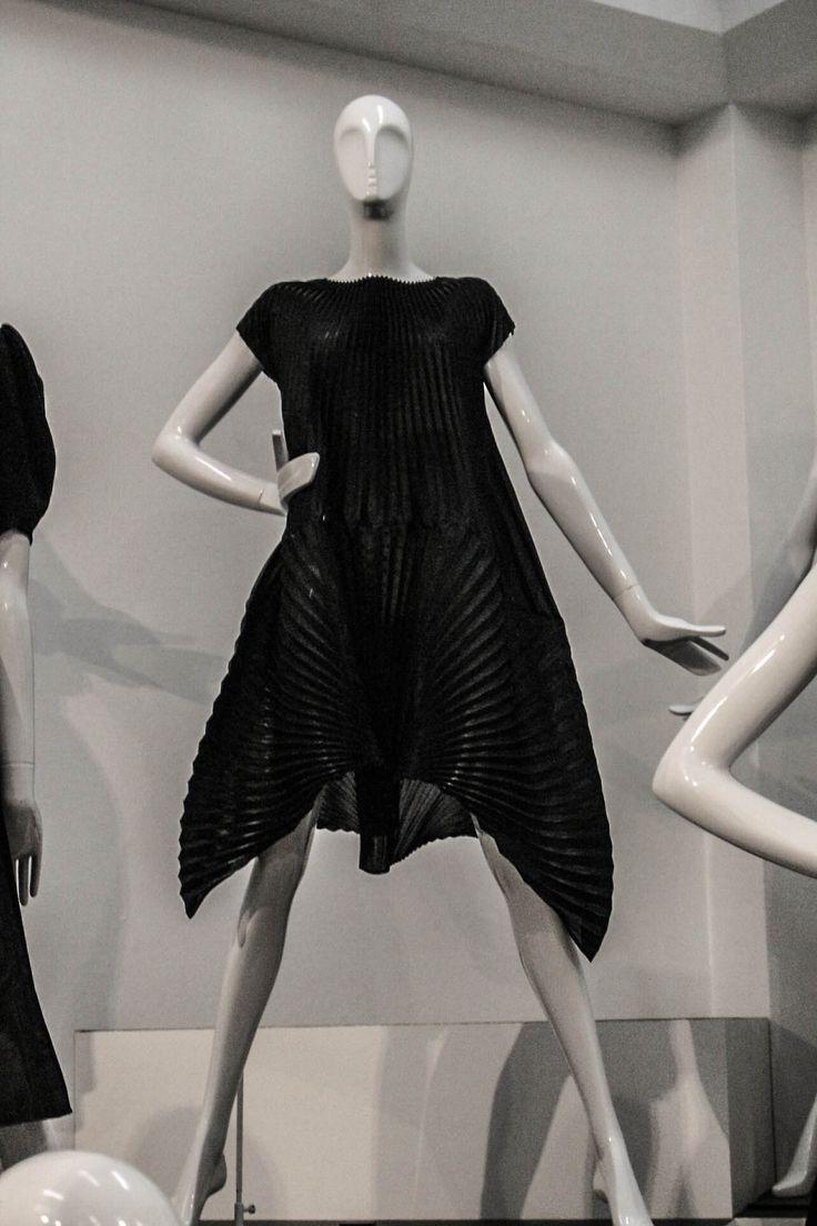 Préférence 95 best ☆ La petite robe noire ☆ images on Pinterest | Coco  JC58