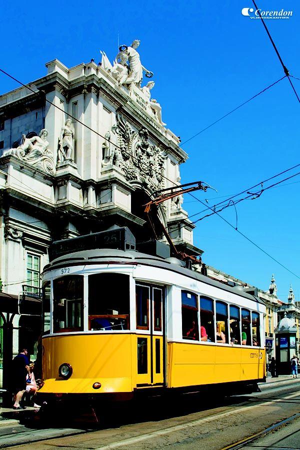 Makkelijk en leuk met een oude tram je verplaatsen van A naar B.