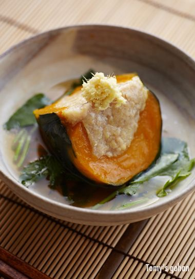 Japanese-style steamed squash with minced chicken  坊ちゃんかぼちゃの肉詰め餡かけ