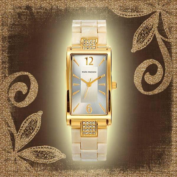 Que la elegancia no solo esté presente en tu vestir, sino también en tus accesorios con este precioso reloj Petit Careis.