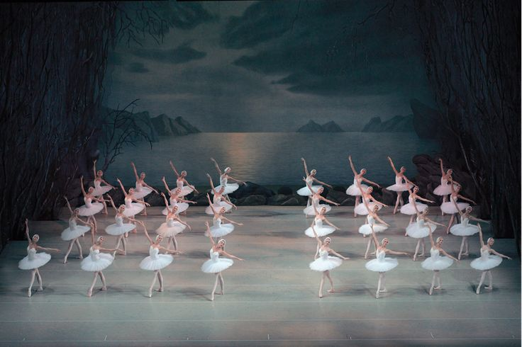 Pyotr Ilyich Tchaikovsky: Swan Lake – Ekaterina Kondaurova, Timur Askerov, Andrei Yermakov – Mariinsky Ballet, Mariinsky Theatre Orchestra, Valery Gergiev, 2013 (Download the performance) • http://facesofclassicalmusic.blogspot.gr/2015/03/pyotr-ilyich-tchaikovsky-swan-lake.html