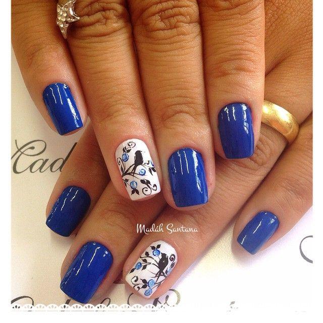Instagram media by madahsantana - Nails linda @Elaine #botaozinhos#passarinho#mimo #madahsantana #manicure #nailartes #naoéadesivo #tudofeitoamaolivre #traçolivre