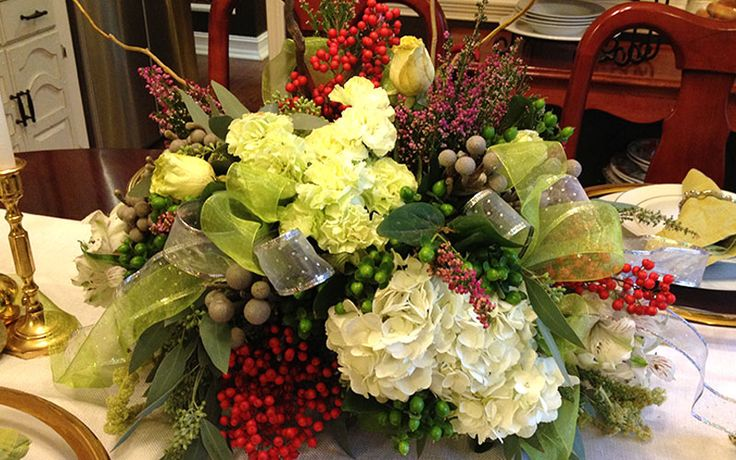 How to make your own holiday floral arrangement this for Create your own flower arrangement