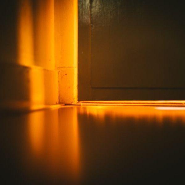 ⠀⠀⠀⠀⠀⠀⠀⠀⠀⠀⠀ ⠀⠀⠀⠀⠀⠀⠀⠀⠀⠀⠀⠀⠀⠀⠀⠀⠀⠀⠀⠀⠀⠀ ⠀⠀⠀⠀⠀⠀⠀⠀⠀⠀⠀ ⠀⠀⠀⠀⠀⠀⠀⠀⠀⠀⠀ ',⠀ ', 🚪 ,' ⠀,'⠀⠀⠀ ⠀⠀⠀⠀⠀⠀⠀⠀⠀⠀⠀⠀⠀⠀⠀⠀⠀⠀⠀⠀⠀⠀⠀⠀⠀⠀⠀⠀⠀⠀ ⠀⠀⠀⠀ ⠀⠀⠀⠀Dique • Fotografie • 2017 ⠀⠀⠀⠀⠀⠀⠀ #lichtstraal #schaduw #deur #gang #glasinlood #reflectie #jaren30huis #rotterdam #noord ⠀⠀⠀⠀⠀⠀⠀⠀⠀⠀⠀