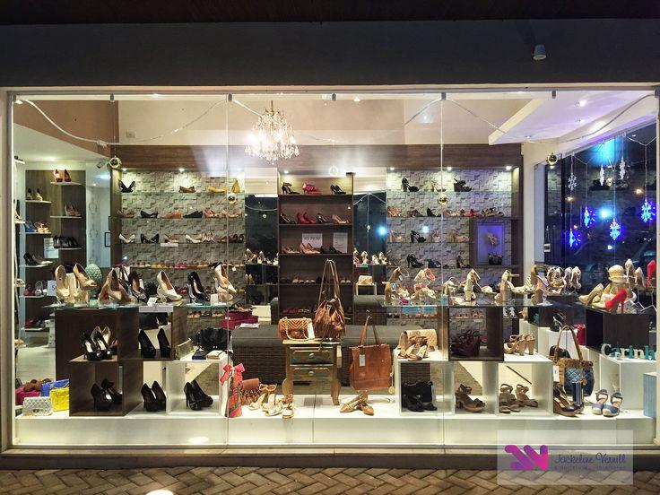 Projeto de Reforma Comercial da Loja Amanda Moura Calçados Femininos, vista da vitrine