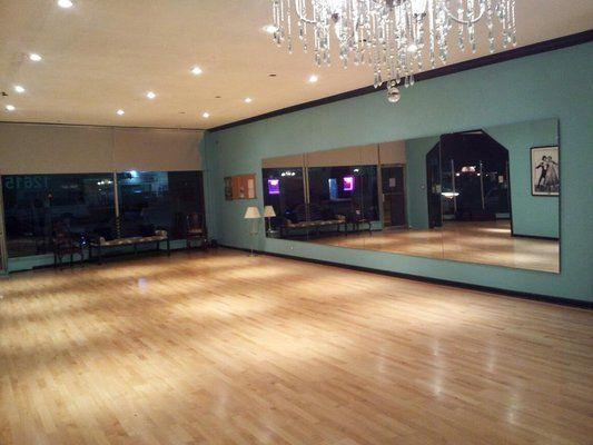 Amplitud salón de danza