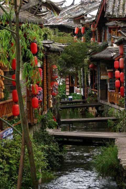 日本の古都を思わせるナシ族の都『麗江旧市街