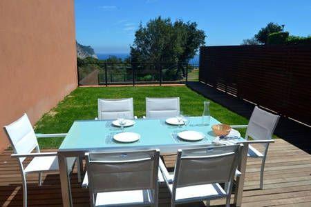 Bekijk deze fantastische advertentie op Airbnb: Superb villa with communal pool in Begur
