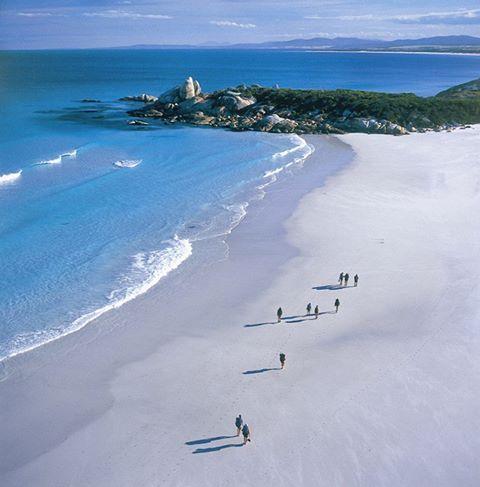 ¿Te vienes a la Bahía de los Fuegos (Bay of Fires) en Tasmania? ¡Buen fin de semana!   ¡Y mucho ánimo para este nuevo mes de Noviembre! ¡Qué no te pille el frío ni los resfriados! www.holaaustralia.com