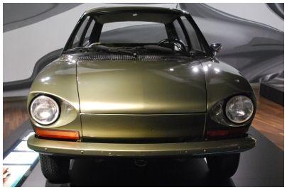 VW, EA 266, mit Einzelradaufhängung und Mittelmotor. Das ungewöhnliche technische Konzept des Käfers sollte hier seine Fortsetzung finden