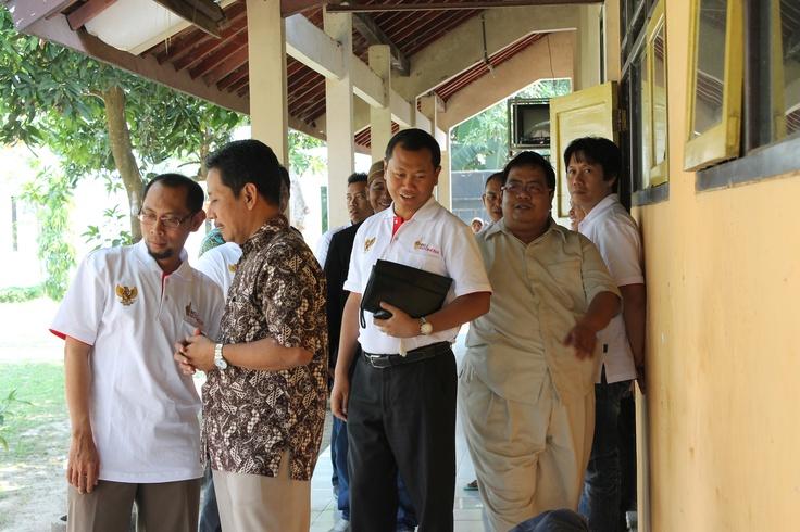 Presiden IIBF didampingi Jajaran pengurus IIBF Pekalongan mengunjungi Panti Jompo