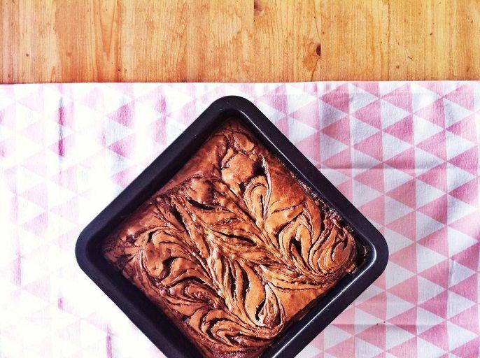 Mijn eerste item online (*trots*). Geniet ook van dit hemelse recept van brownies met gezouten caramel! A match made in heaven!