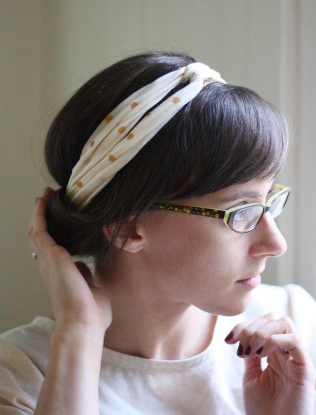 DIY No-Sew Upcycled Twisted Turban Headband! http://seekatesew.com/turn-an-old-t-shirt-into-a-no-sew-turband/