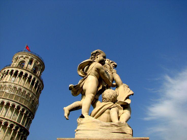 İtalya'nın Çan Kulesi ile meşhur, sevimli kenti Pisa ile ilgili gezi yazısı ve izlenimler. Güzel fotoğraflarla süslü bir Pisa Gezi Rehberi.