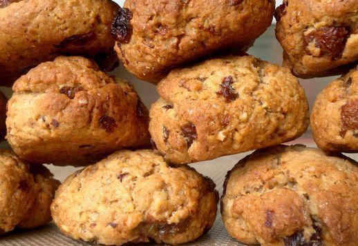 Biscotti integrali alle noci, uvetta e cannella - Cucina Naturale