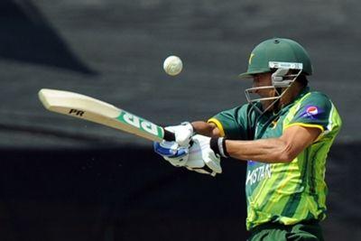 Younis Khan and Misbah-ul-Haq s 116-run partnership put Pakistan in control 49566316c7bb1
