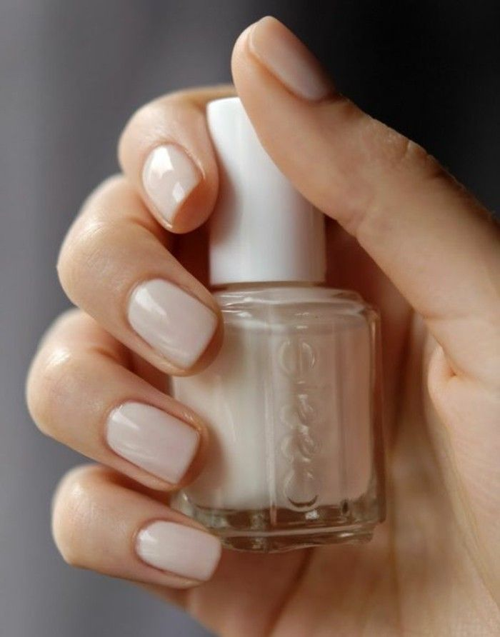 ongle en gel deco en beige pale, comment decorer vos ongles