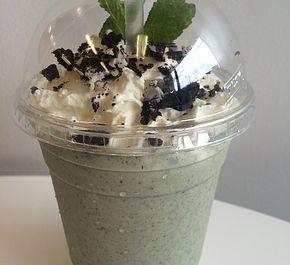 What's Shaken Milkshake Bar (Downtown - 586 Davie St)