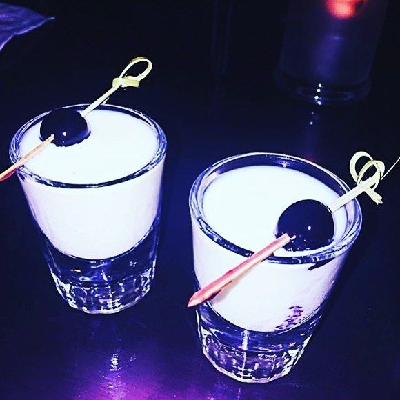 Rumchata Shots by @thearsenalbar in L.A!! . #shot #shots #shooters #chupitos #shotbar #shotsparty #shotski #shotsshotsshots #bar #barmaid #barman #bartender #bartending #party #partytime #club #clubbing #night #nightlife #friends #together #dj #music #alcohol #usa #la #losangeles #rumchata