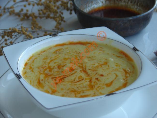 Körili Tavuk Çorbası nasıl yapılır? Kolayca yapacağınız Körili Tavuk Çorbası tarifini adım adım RESİMLİ olarak anlattık. Eminiz ki Körili Tavuk Çorbası tarifimi