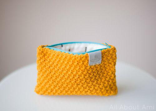 DIY Crocheted Star Stitch Pouch