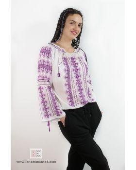 100% Hand stitched - Romanian blouse ia - Bohemian top - folk fashion worldwide shipping #vyshyvanka #romanianblouse #ia #ieromaneasca #bohostyle #bohemian #fashion #embroidery #handmade