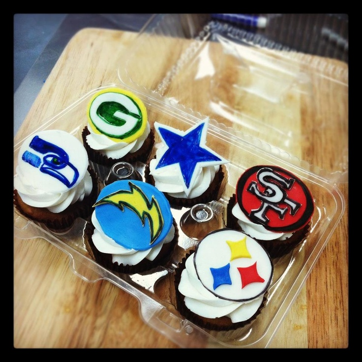 Handmade cupcakes for the Seahawks, Chargers, Steelers, Packers, Cowboys, and 49ers!!: Niner Tailgating, Cupcake Mania, Seahawks Stuff, Photo, Cake Decorating