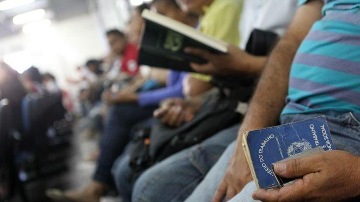 RS Notícias: Brasil só cria vagas de emprego com remuneração de...