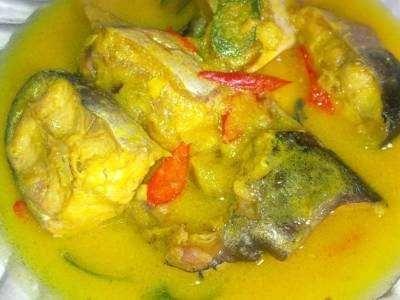 Ikan Patin Bumbu Kuning - Disini ada panduan cara membuat atau masak sup dari resep ikan patin bumbu kuning tanpa santan rujak acar asam manis pedas baik dikukus goreng atau bakar.