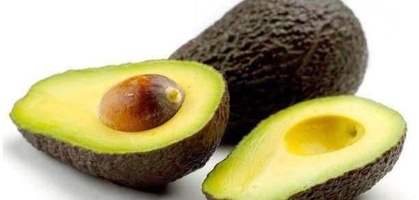 Συνταγές καλλυντικών με αβοκάντο (μάσκα μαλλιών και μάσκα χεριών)