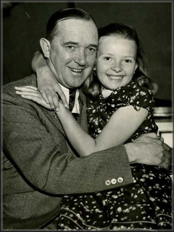 Nice picture of Stan with his daughter Lois.