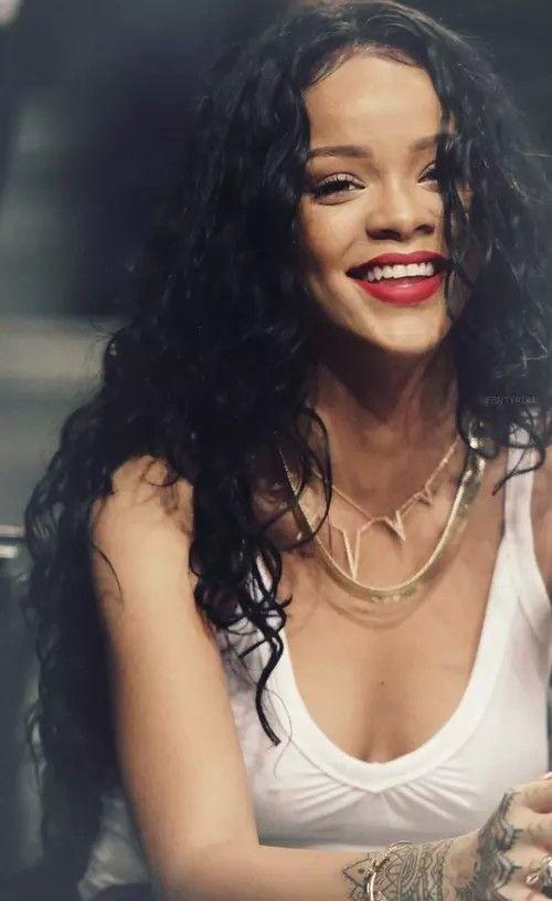 Awesome 17 Best Ideas About Rihanna On Pinterest Rihanna Lipstick Short Hairstyles Gunalazisus