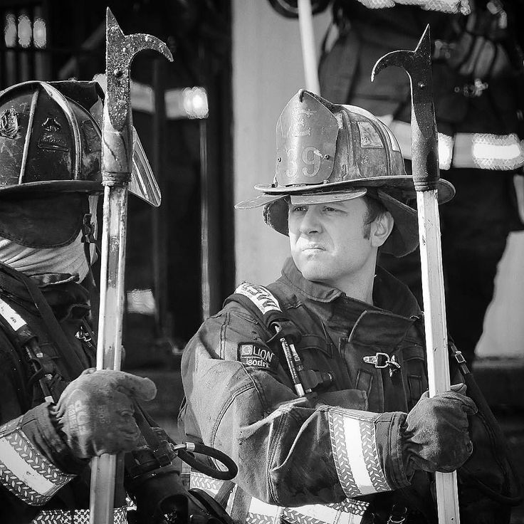 FEATURED POST   @mcl212 -  Detroit firemen talking shop while standing fast. #detroitfire .  ___Want to be featured? _____ Use #chiefmiller in your post ... http://ift.tt/2aftxS9 . CHECK OUT! Facebook- chiefmiller1 Periscope -chief_miller Tumblr- chief-miller Twitter - chief_miller YouTube- chief miller .  #firetruck #firedepartment #fireman #firefighters #ems #kcco  #brotherhood #firefighting #paramedic #firehouse #rescue #firedept  #workingfire #feuerwehr  #brandweer #pompier #medic…