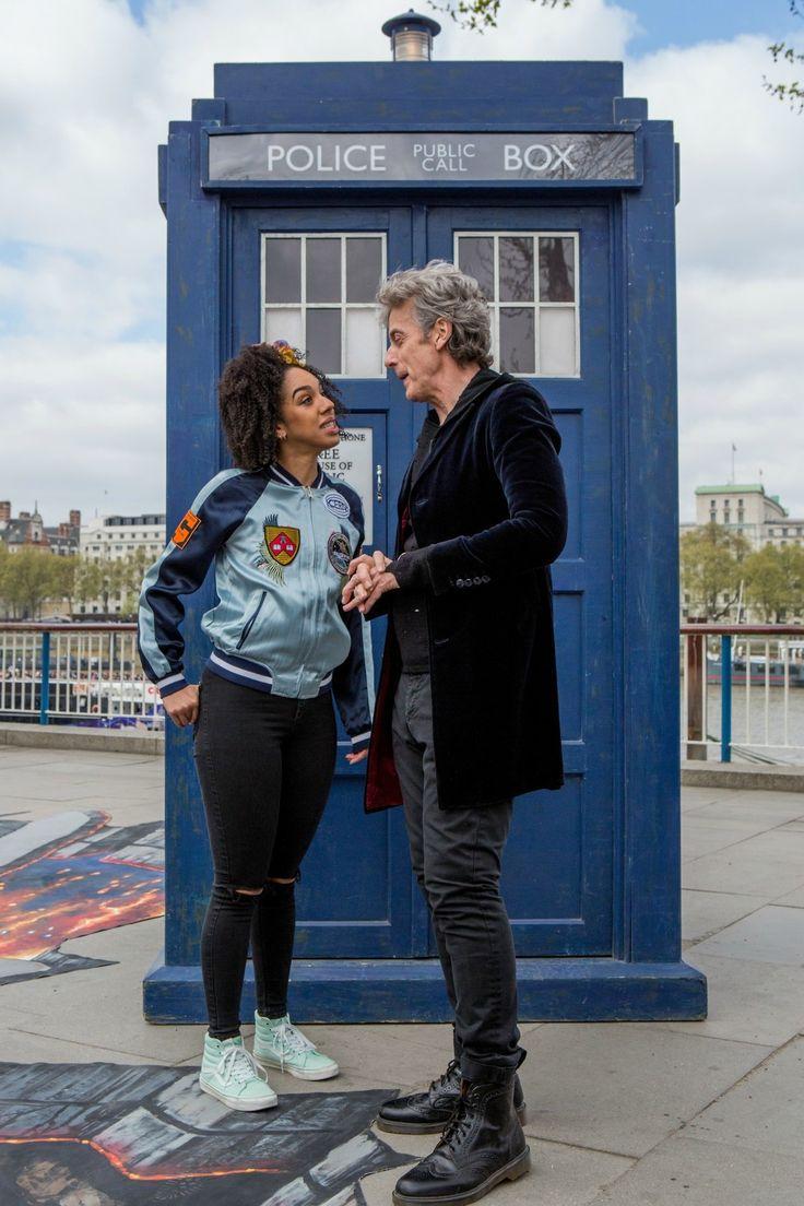 Pearl Mackie (Bill Potts) & Peter Capaldi (Twelfth Doctor)