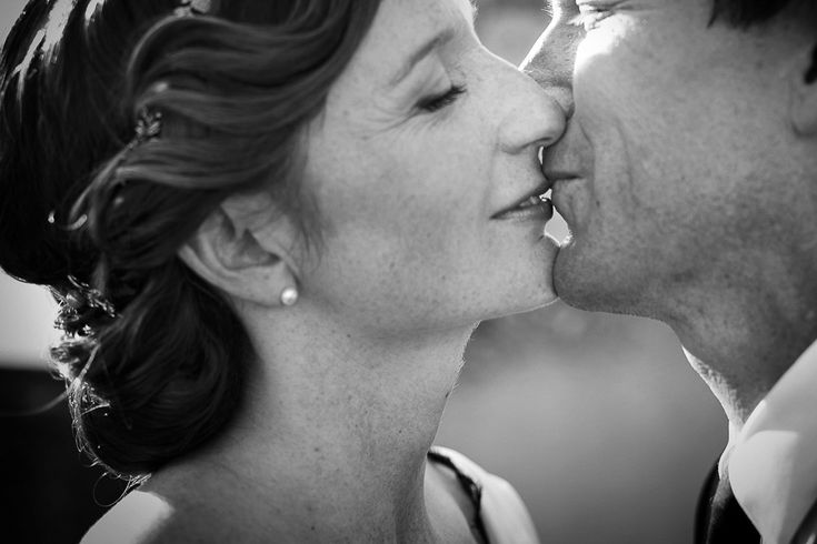 bride and groom kiss | Event planned by Angela, Style a Wedding | Virginia and Nicholas for choosing Independent Pictures as photographers for your Lake Garda wedding |  MakeUp & Hair Letizia Cordella