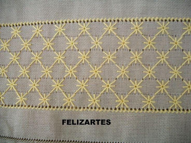 Bordado Crivo Florzinha . O tecido, com esse ponto , só é desfiado na horizontal , sempre número par de fios e é bordado em 2 colunas, ora ...