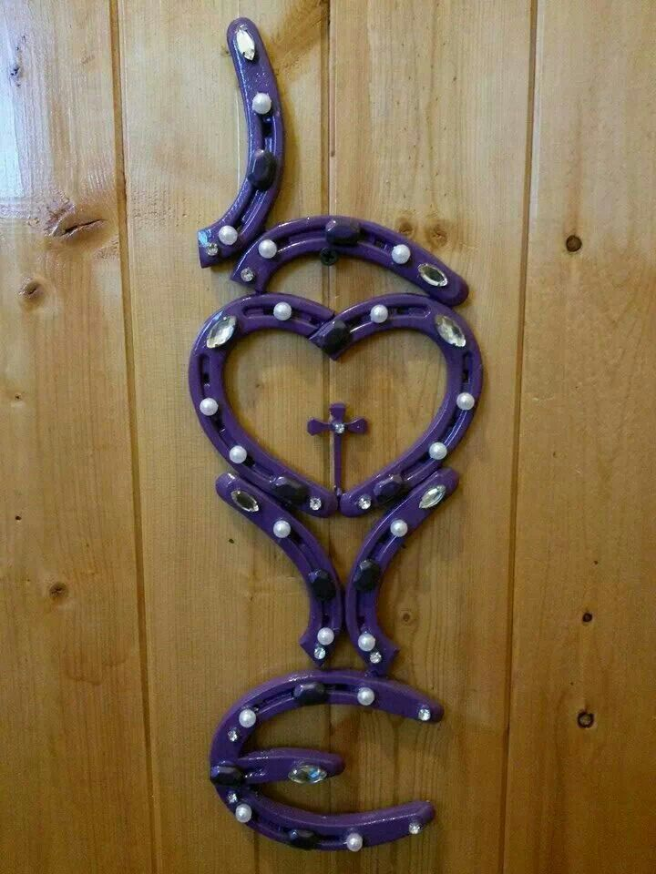 34 best our horseshoe home decor images on pinterest for Things to make with old horseshoes