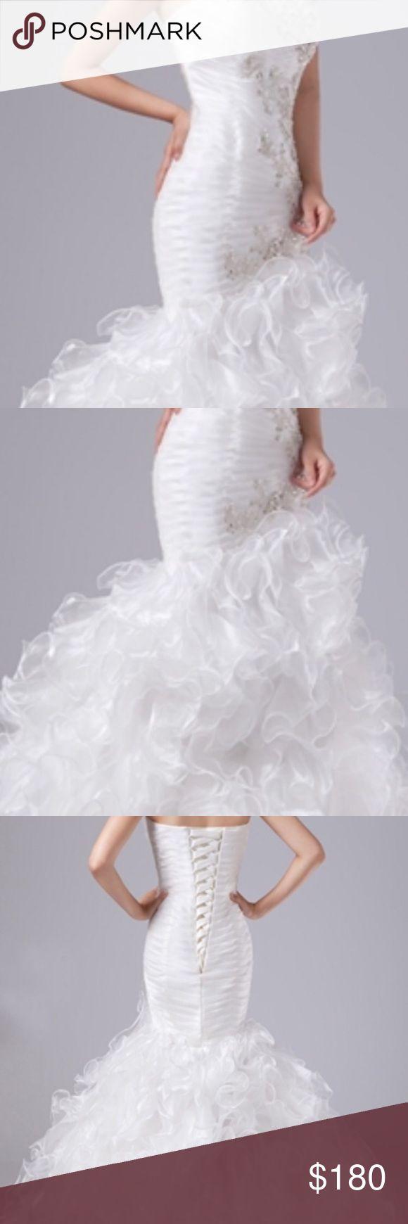 Trumpet Style Wedding Dress Smoke Free home never worn kept in clear garment bag. Very Elegant Dresses Wedding