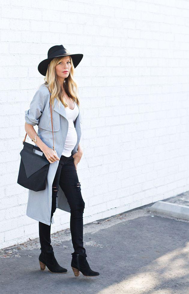 RED REIDING HOOD: www.redreidinghood.com Smitten studio fashion blogger pregnancy look ripped jeans trench coat maternity fashion inspiration