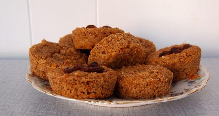 Ja, je ziet het goed. Healthy stuff. En hoe! Deze muffins hebben we gemaakt van wortelpulp. Wortel…wat? Pulp, dat overgebleven is na het maken van wortelsap met onze Versapers, de slowjuicer. Na het maken van elk sapje blijft er pulp over en het zou natuurlijk zonde zijn om daar niks mee te doen. Dus, [...]