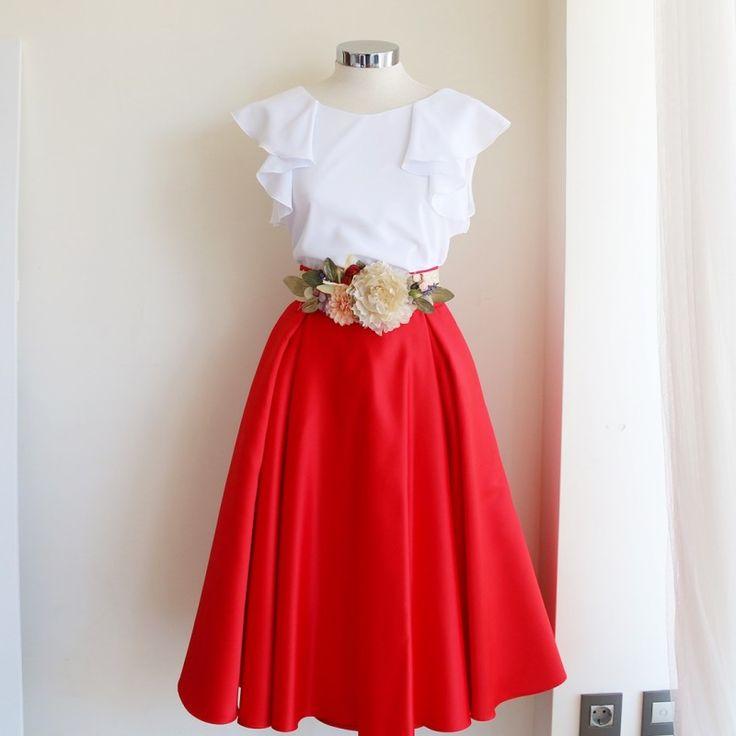 Conviértete en la invitada perfecta con esta falda midi rojo fuego confeccionada a medida en mikado para tu boda o evento 2016